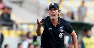 ¡Entrenador de fútbol, No Comandante!