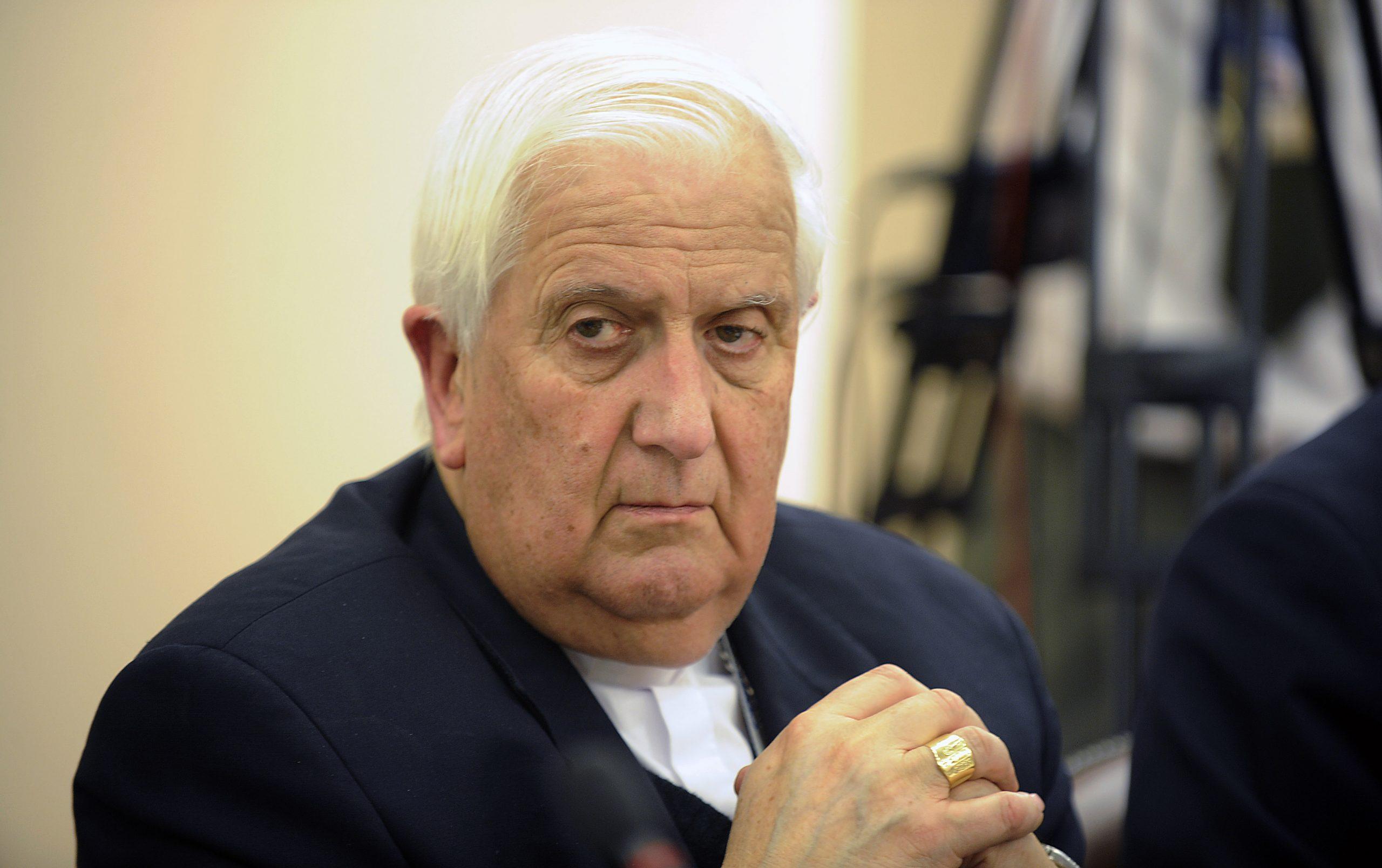 Historia de Chile: Los errores de un obispo